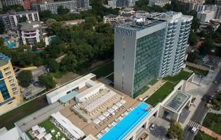 Птичи поглед към хотела - фасада към море